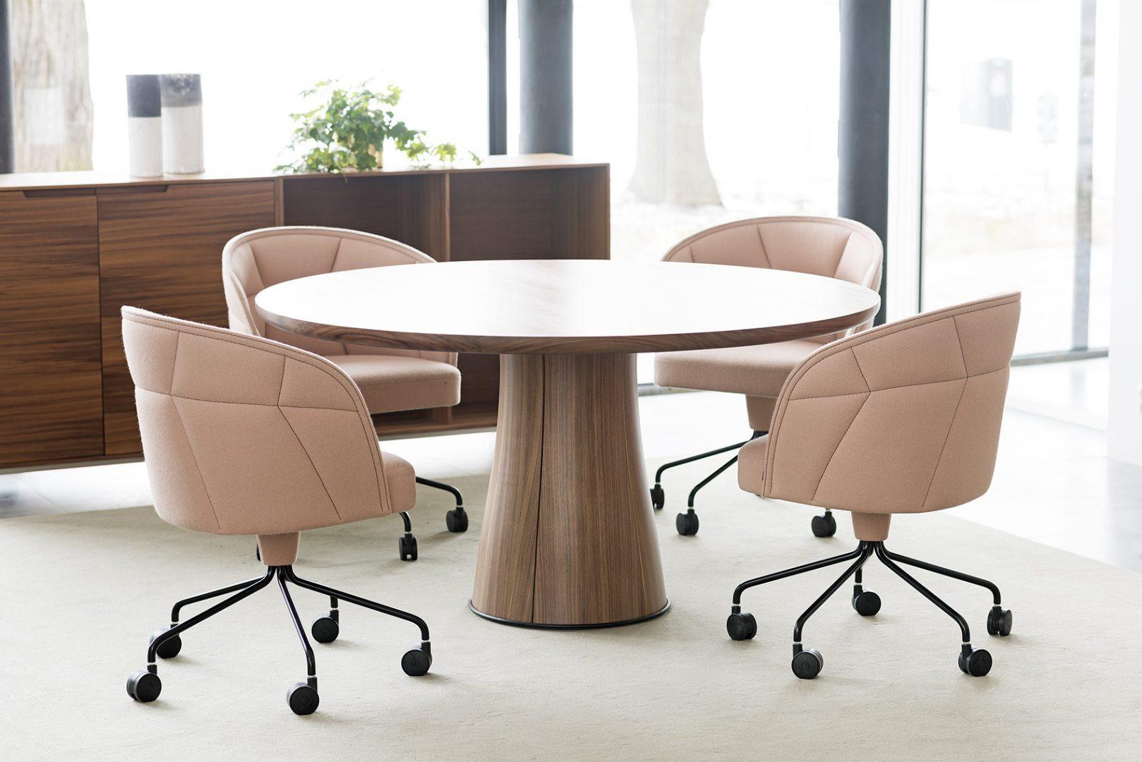 Kolonn Table, Emily Chair,