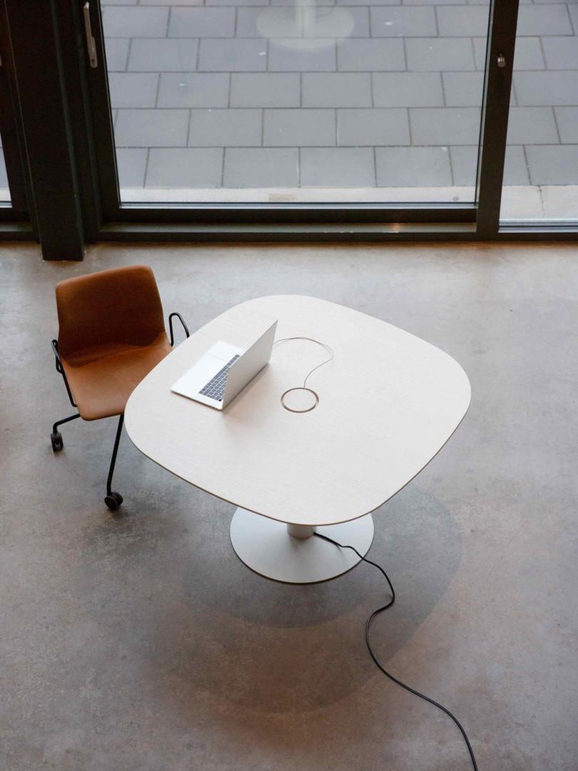 Bastille Table