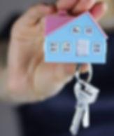 size_960_16_9_mao-segura-chaves-de-casa.