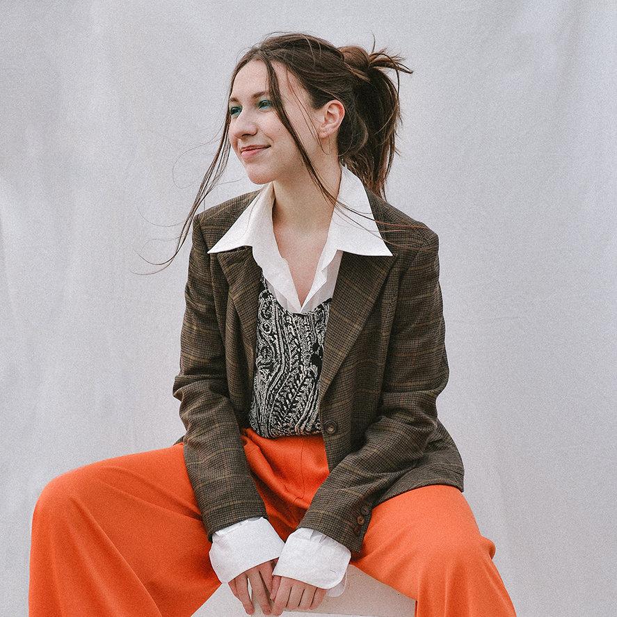 Andrada Has portrait girl designer