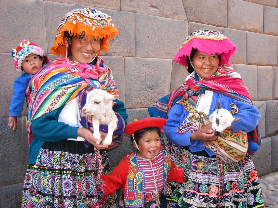 traditional women of cuscoperu.jpg