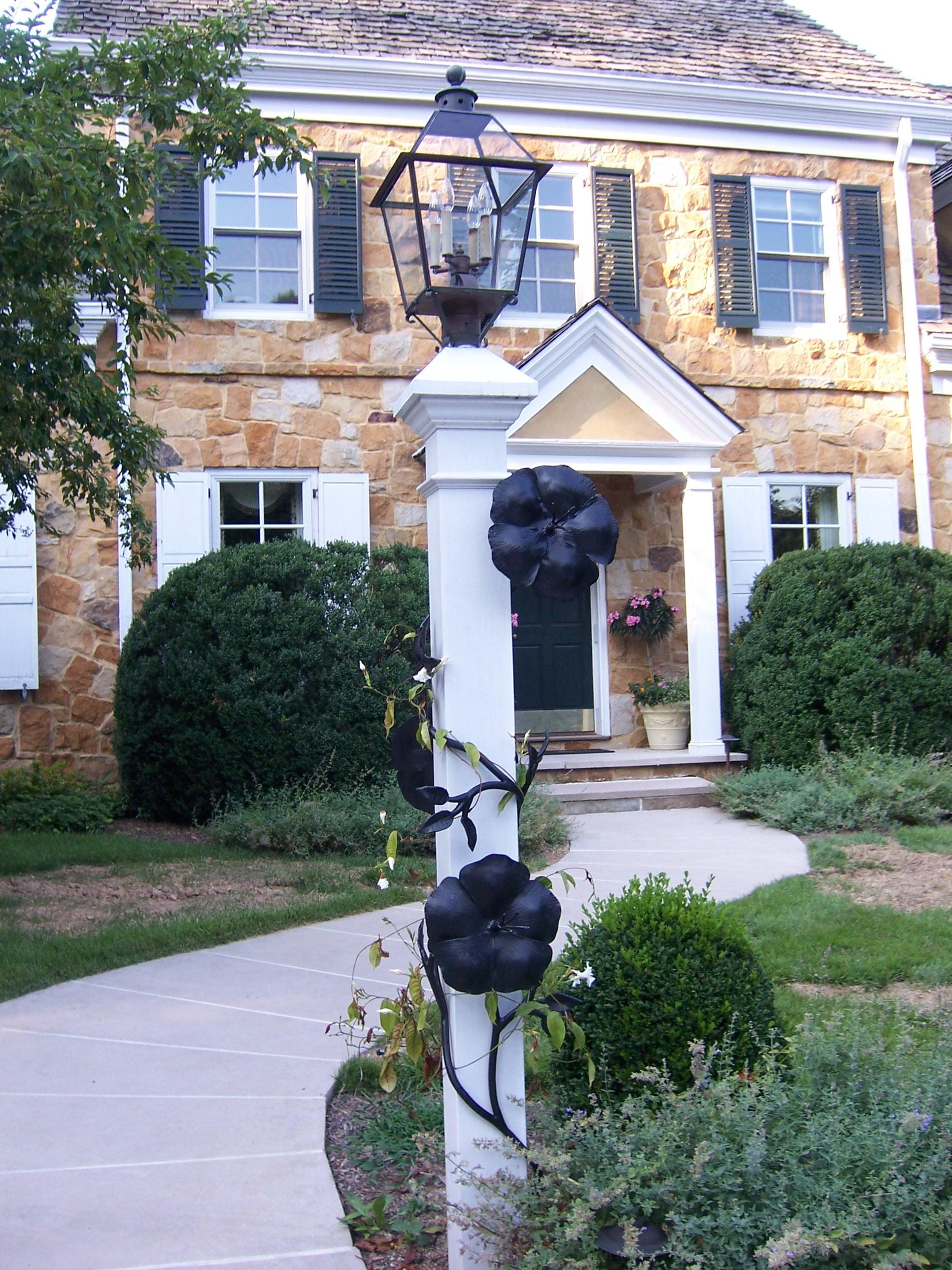 Decorative Flower Post