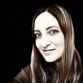 Laura McHugh author