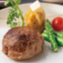 人気の牛肉100%ハンバーグ