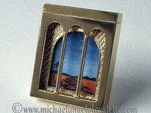 Reversible picture brooch (Night view)