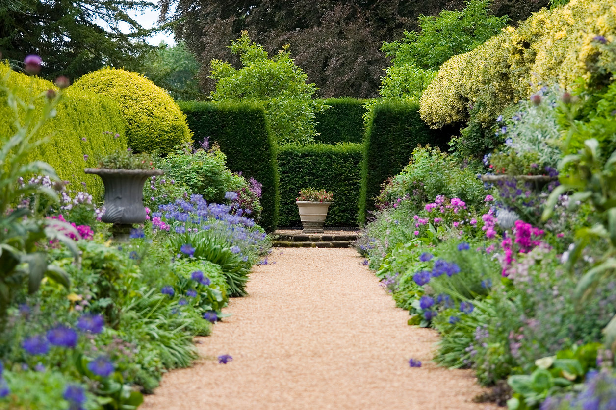Garden-Path-115886078_3072x2048.jpeg