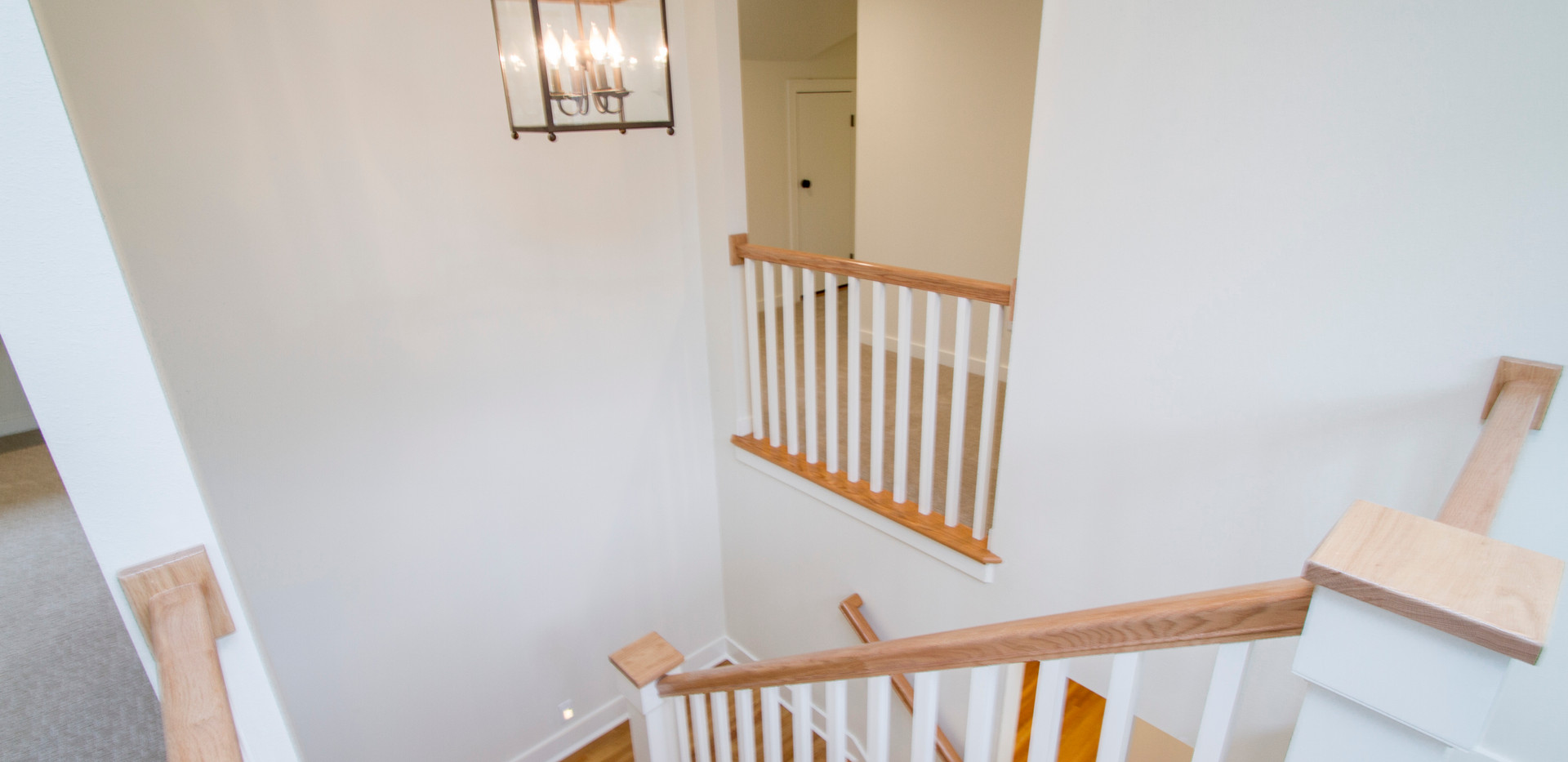 Upstairs Landing 2.jpg
