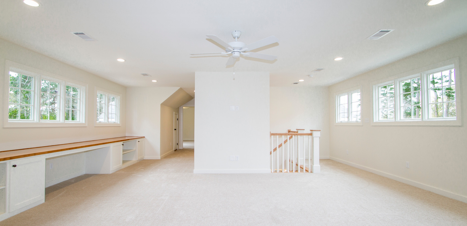 Upstairs Living Area2.jpg