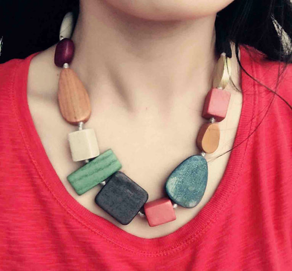 BOHEMIAN WOOD NECKLACE