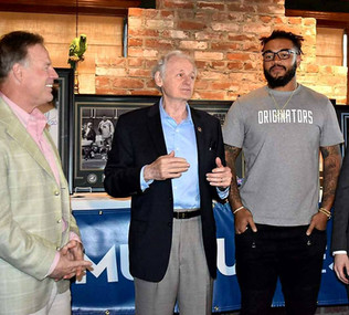 Museum of Sports Event with Brian Propp and Derek Barnett
