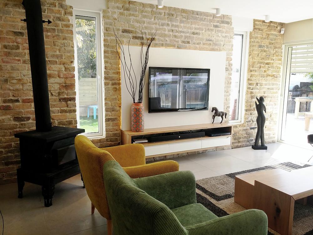 הסלון החדש חם מואר ונעים