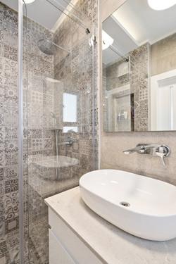 עיצוב מקלחת הורים