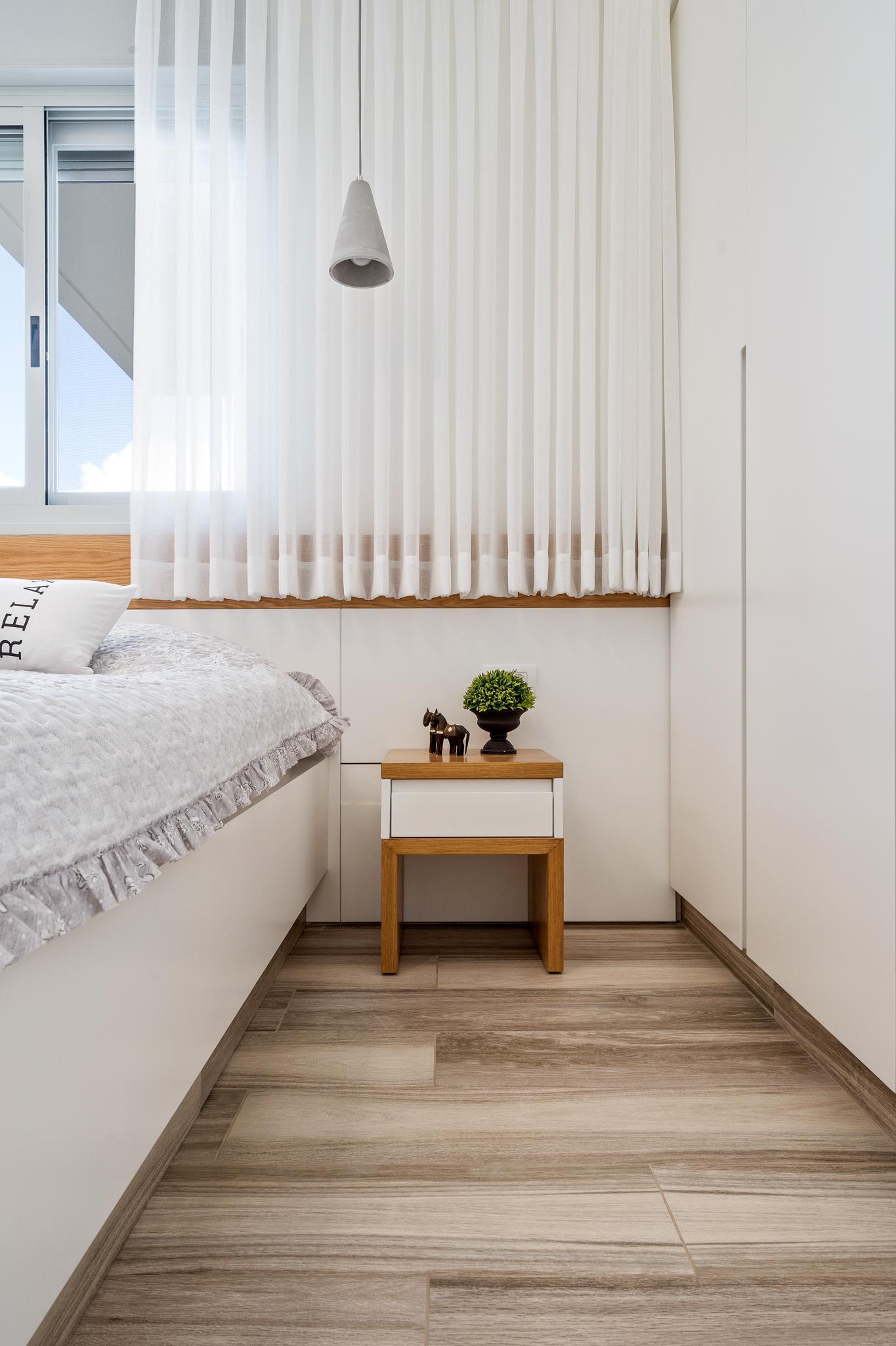 שידות צד בחדר שינה