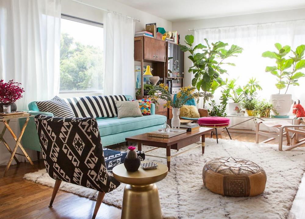 איזור פוקוס בסלון עשוי צמחים