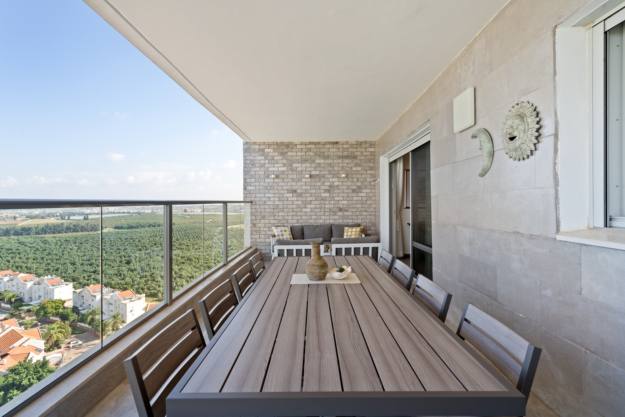 קיר המרפסת