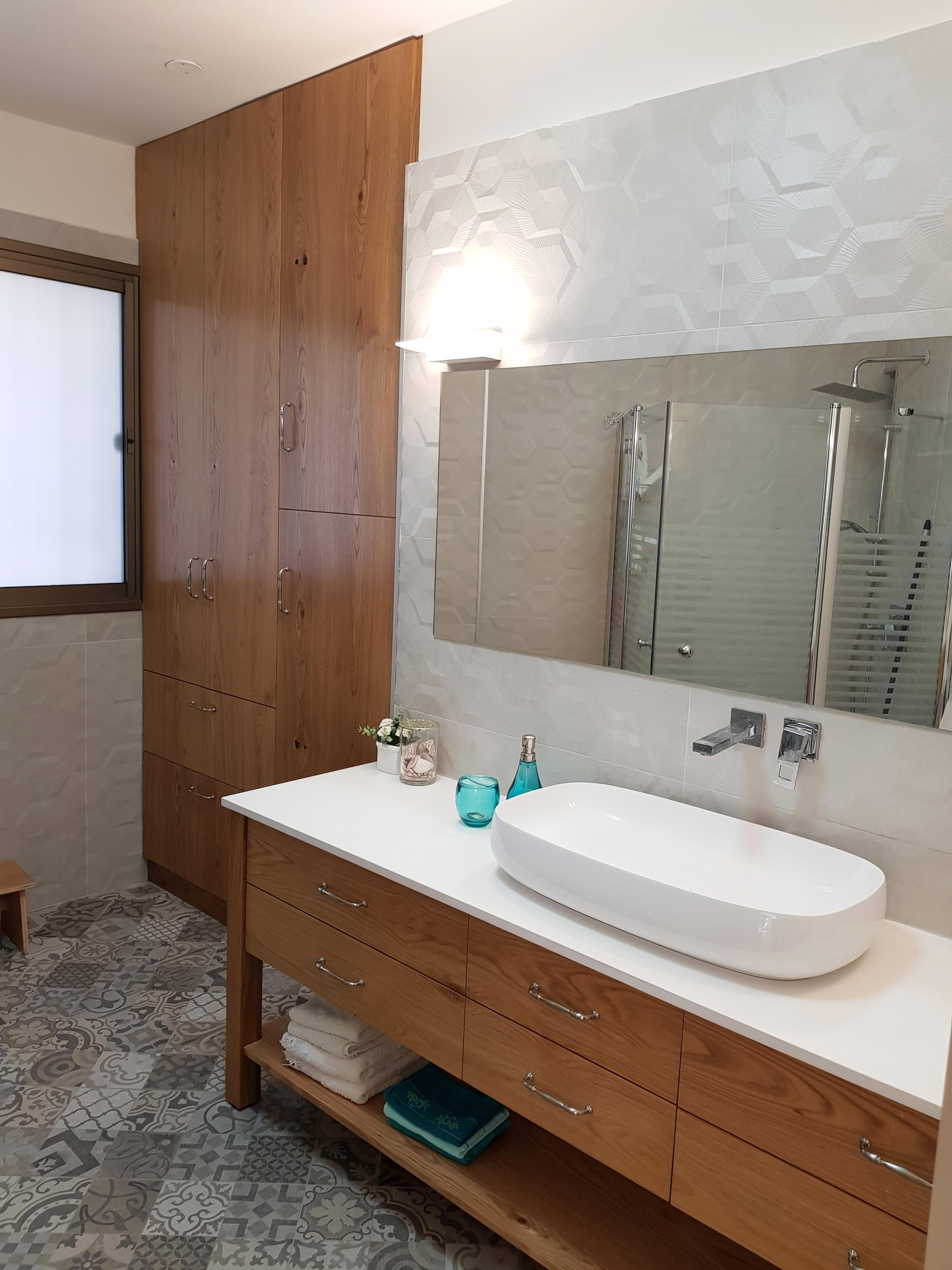 מקלחת כללית בדירה בראשלצ