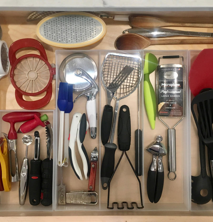 Divided utensil drawer