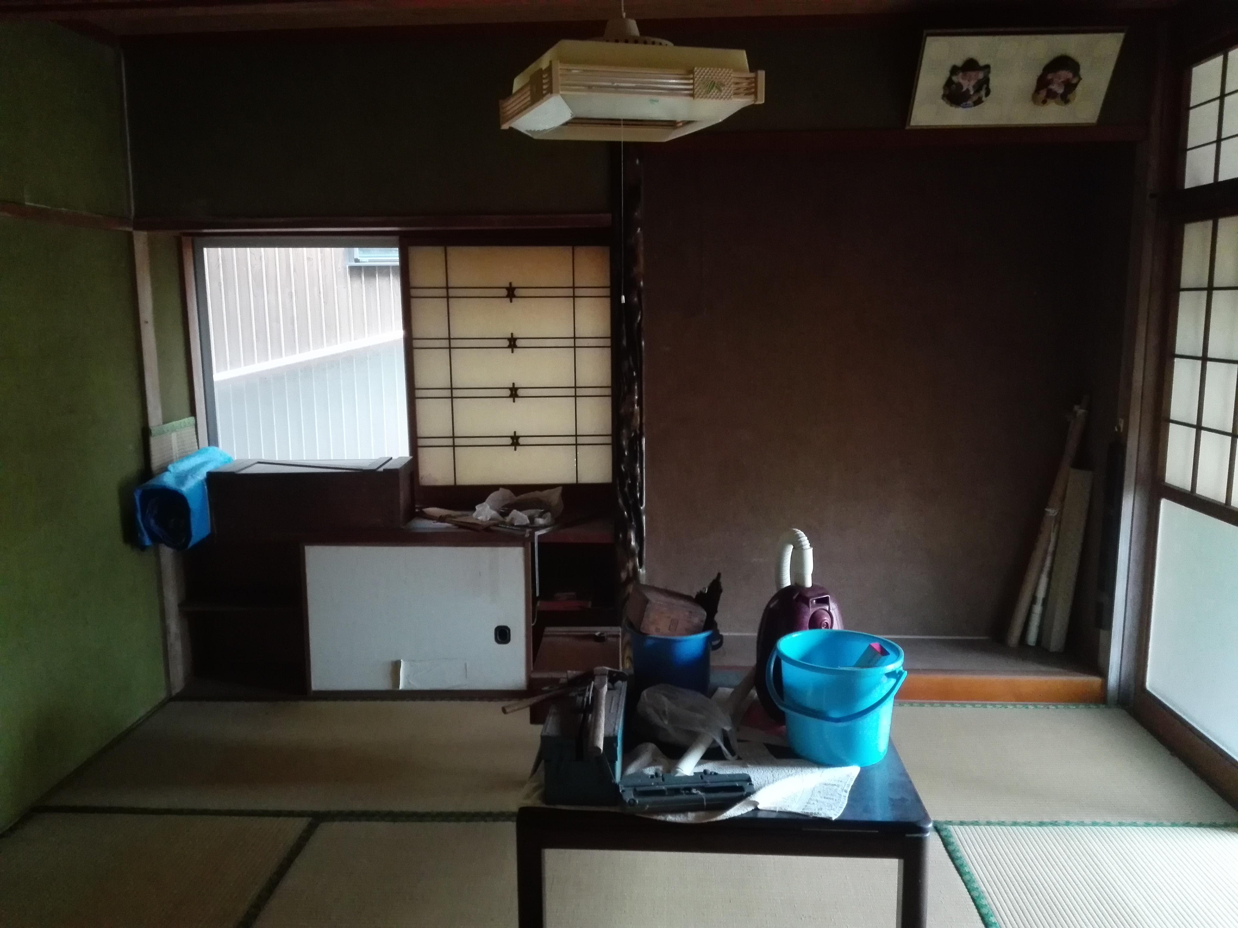 玄関右和室