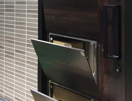 【スマート】宅配ボックスを内蔵した玄関ドア