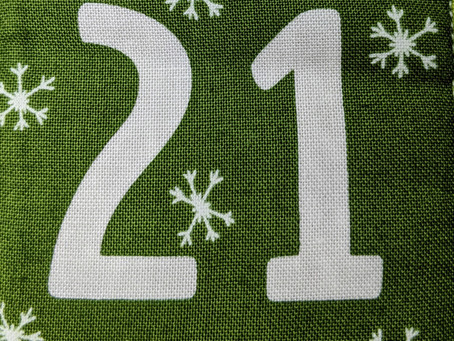 Wraaappin' Around the Christmas Treeee....Stitchmas Day 21