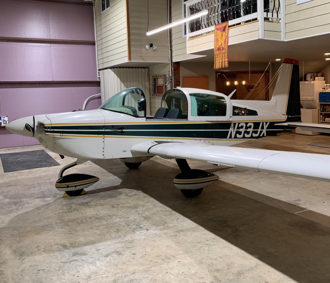N33JX Hangar