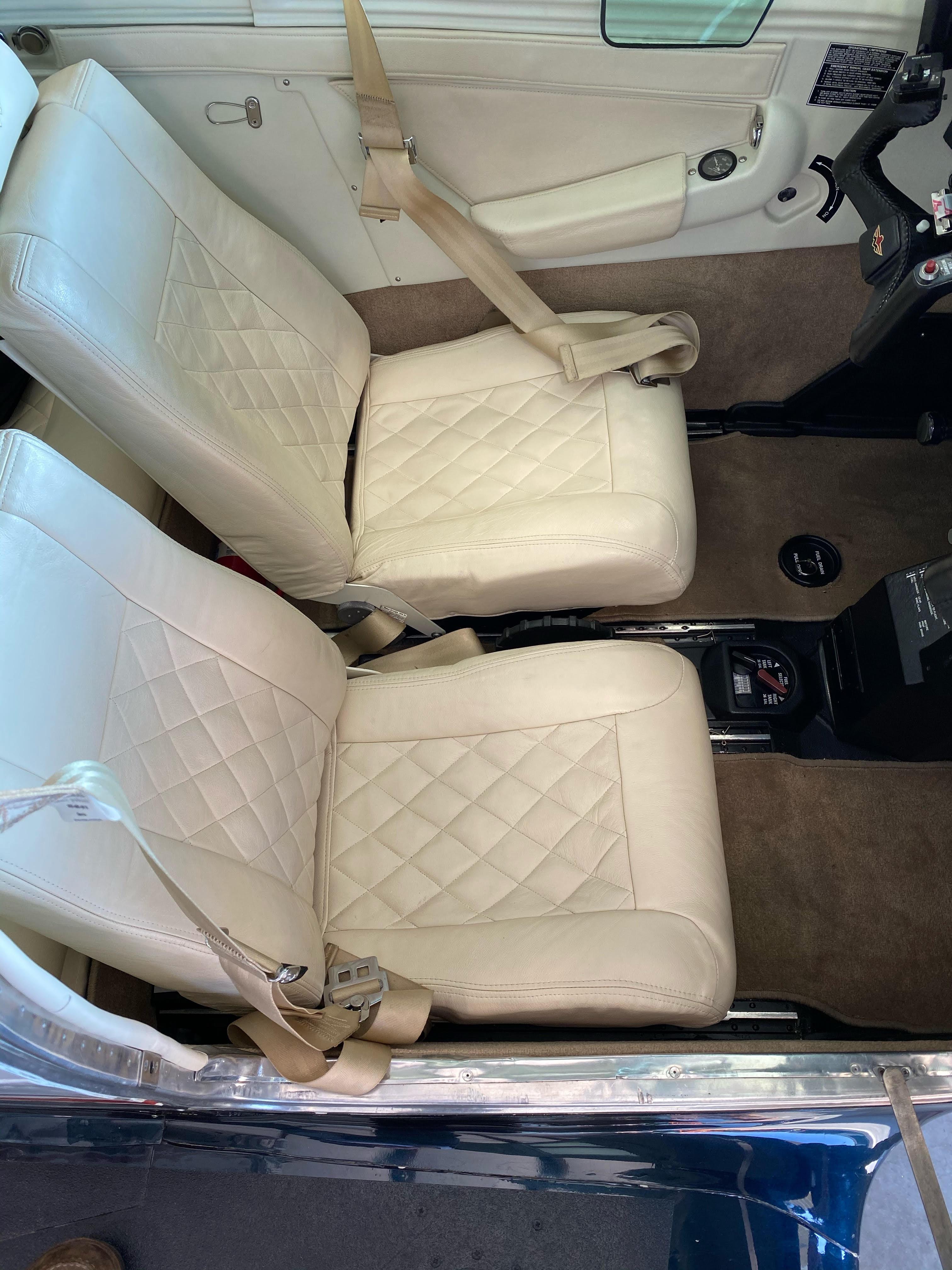 N231AQ Seats 2