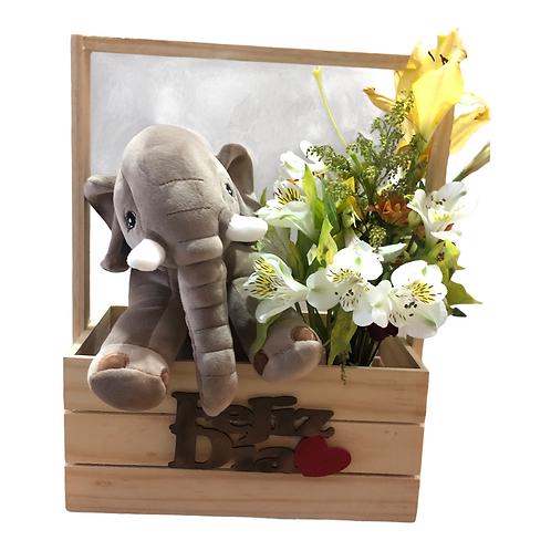 Elefante con flores y chocolates