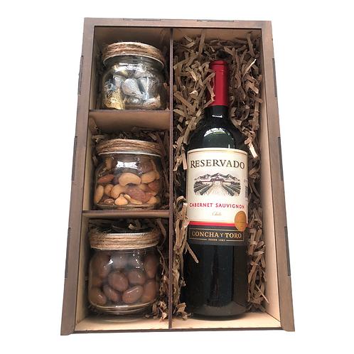 Tinto Cabernet con Chocolates, Nueces Surtidas y Almendras con Chocolate