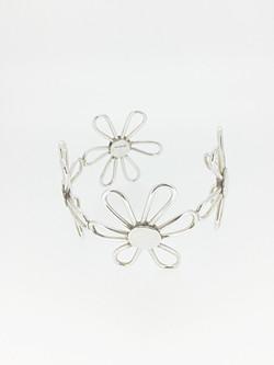 Open daisy cuff