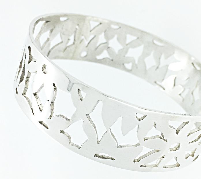 Hand pierced silver bangle