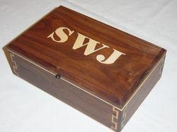 domino box, walmut sams 9885.jpg