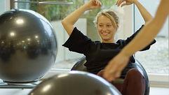 tamara-gymbälle-lektion-zurich-lustig.j