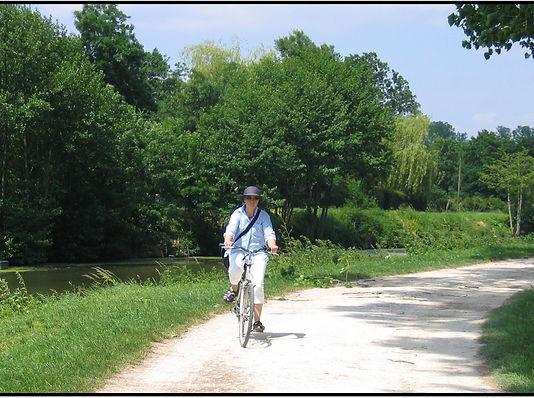 piste cyclable en bord de sêvre