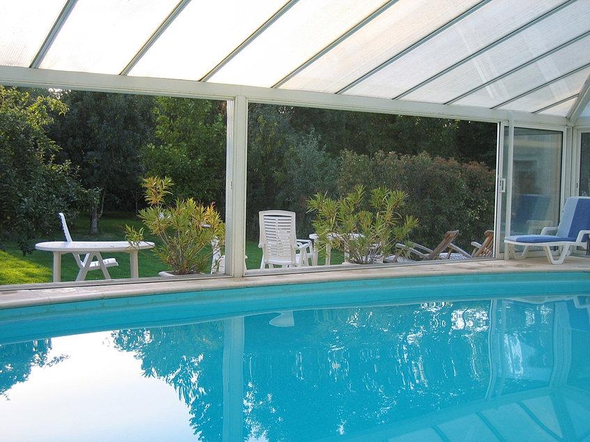 marais poitevin chambres au bord de l 39 eau piscine. Black Bedroom Furniture Sets. Home Design Ideas