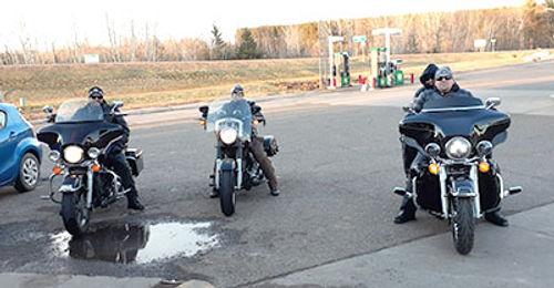 bike riders at vixtory.jpg