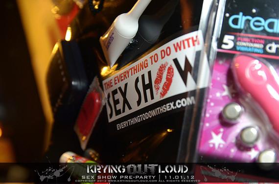 sex_show_20121101_1107642842.jpg
