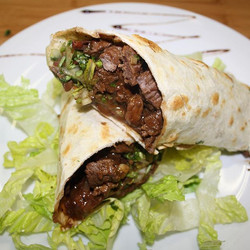 Burritos 🌯 at la Fogata Bar & restaurant 1157 st Clair ave west burritos de carne, pollo o mixtas #