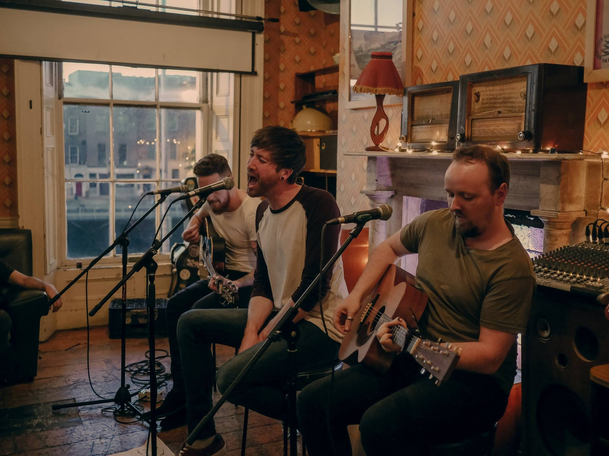 Versive - Dublin Acoustic