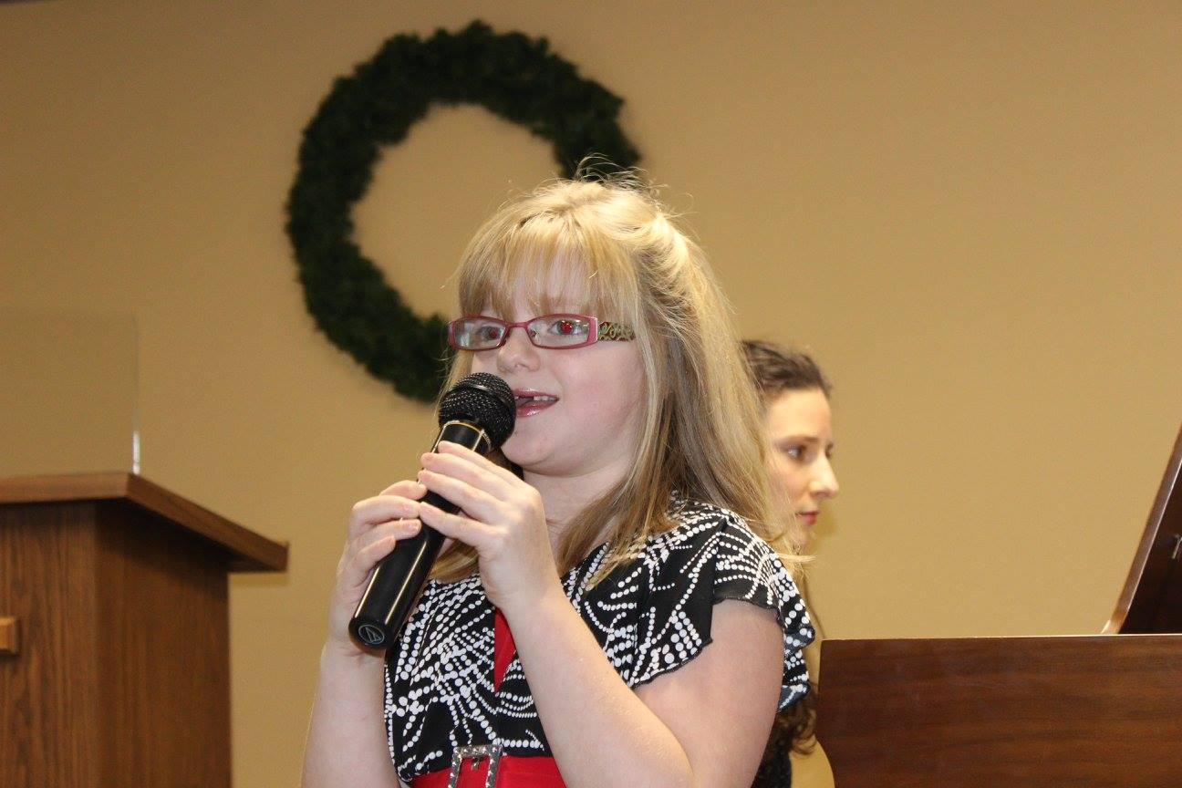 Christmas Recital 2014 Calli sings Frosty