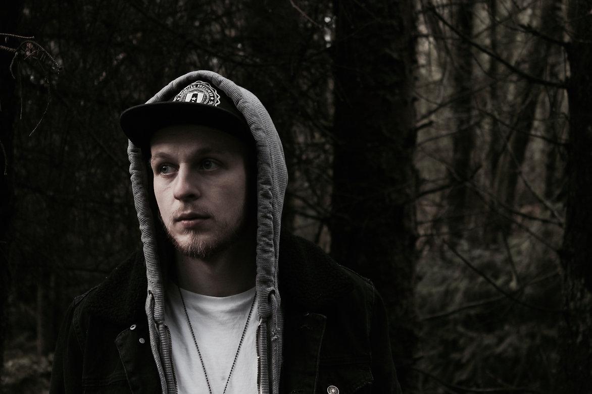 Jack Ellis singersongwriter south walels fforest