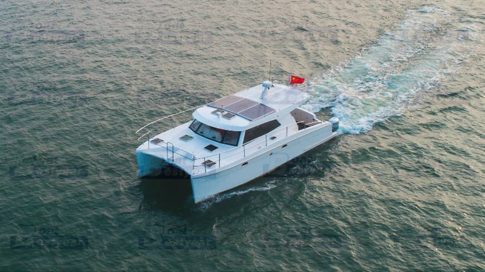38ft Luxury Catamaran Motor Yacht