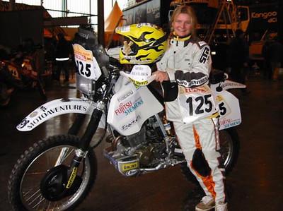 125 Annie Seel_Dakar 2002