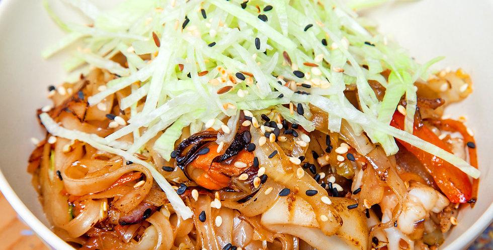 Лапша рисовая с морепродуктами (300 г.)