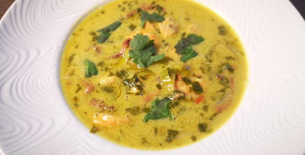 Тайский суп Карри с сёмгой, креветками и кальмарами