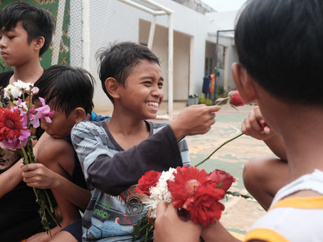 """Second Chance for flowers, inspiring stories from """"Daur Bunga"""""""