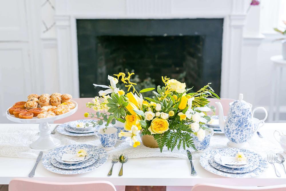 illuminating yellow wedding flowers