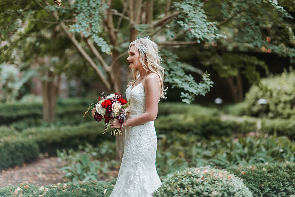 red and white fall wedding