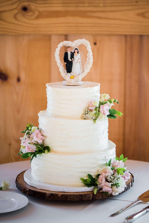 pink and white wedding cake luray