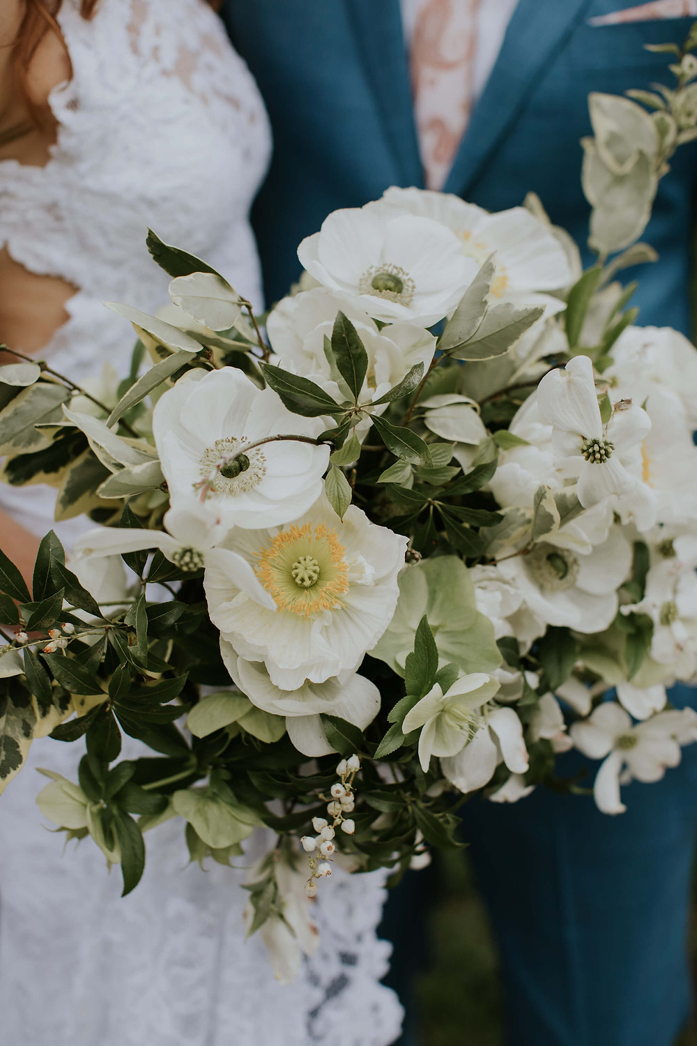 white poppy and anemone bouquet