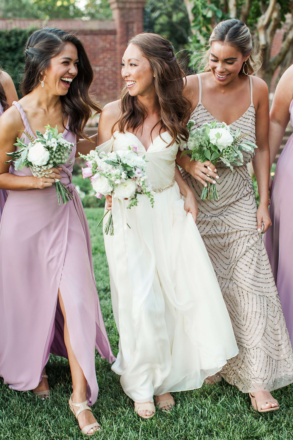 lavender and white bride and bridesmaids